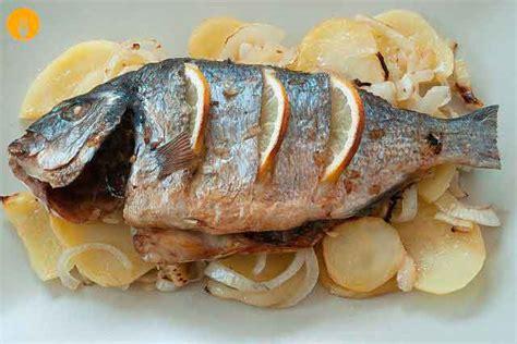 cocinar dorada dorada al horno con patatas
