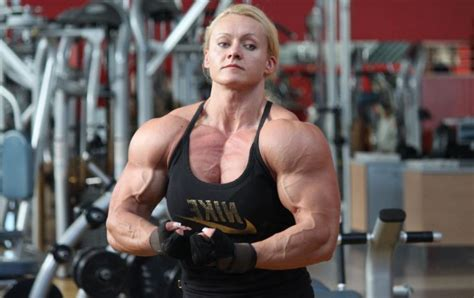 top 10 hottest female bodybuilders all time glitzyworld top 10 sexiest female bodybuilders of all time until 2018