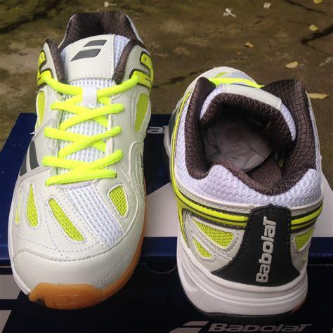 Sepatu All Pria Dan Wanita Putih Terjual Sepatu Dan Baju Tenis Pria Wanita Adidas All