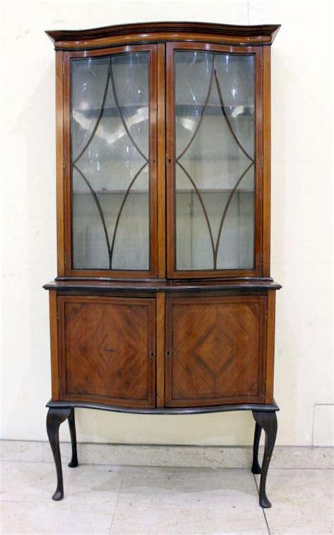 mobili vetrine mobile credenza con vetrina antiquariato su anticoantico