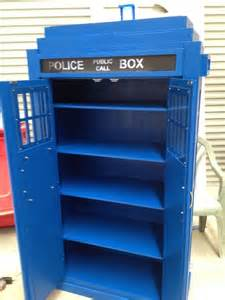 10 best ideas about tardis bookshelf on doctor who dr who and tardis door