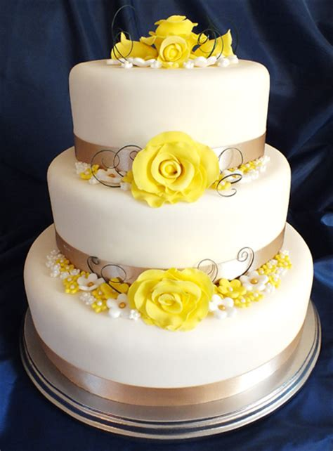 Wedding Cake Yellow Roses by Keeping It In The Family Say It With Flours