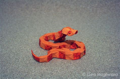 How To Make An Origami Snake - i asped when i saw these origami snakes