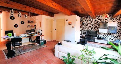 ambiente rustico arredamento vivere in affitto consigli per arredare casa la casa
