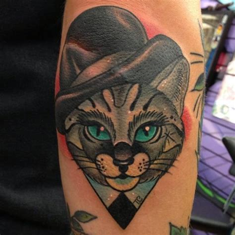 tattoo old school cat tatuaje brazo fantasy new school gato sombrero por mike