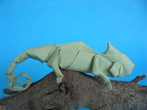 Origami Chameleon - chameleon
