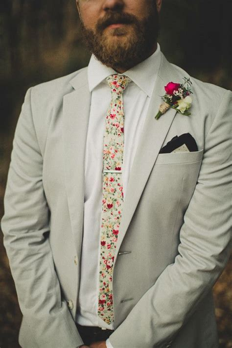 floral skinny tie and polka dot pocket square   Groom