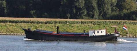 sleepboot te koop wijk bij duurstede deelnemers historische schepen in de stadshaven van wijk