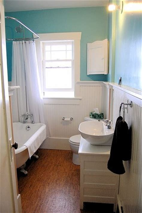 Bathroom With Wainscoting Ideas Bathrooms With Wainscoting Simple Home Decoration