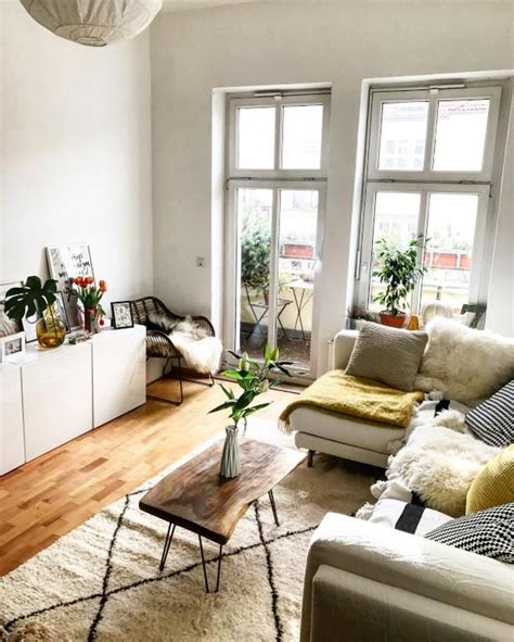 gem 252 tlich eingerichtetes helles wohnzimmer in berlin