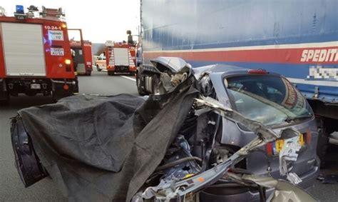 Autounfall 2 Kinder Tot by Zwei Tote Bei Schwerem Autounfall Auf A2