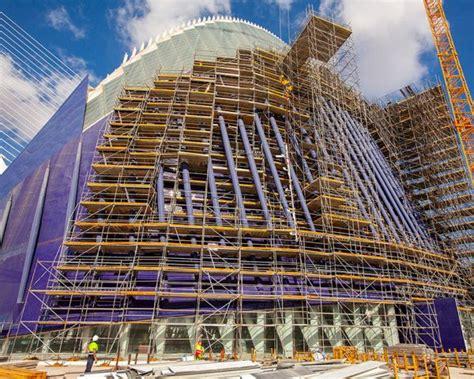 ulma illuminazione ponteggi ulma per la ristrutturazione palazzo agora