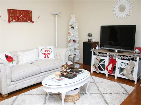decorating your apartment for christmas in nyc apartment tour decor