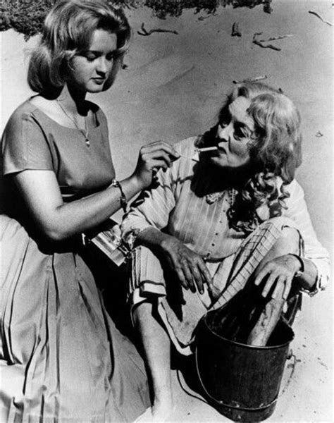 bette davis daughter bd hyman bette davis and daughter bd hyman on the beach set of