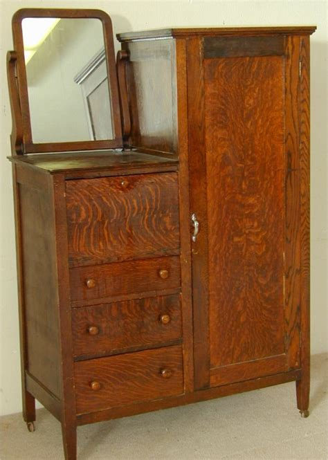 Antique Chifferobe With Mirror 301 Moved Permanently