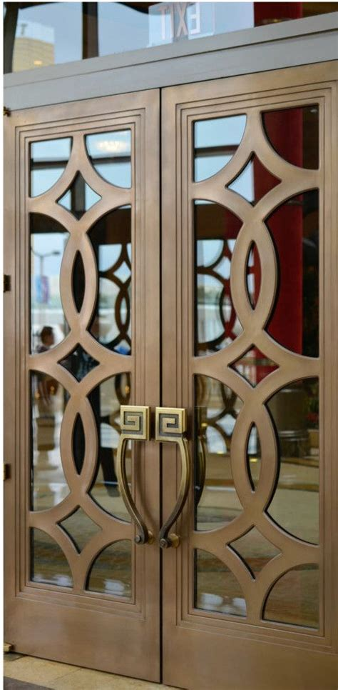 Las Vegas Kitchen Cabinets by Best 25 Wooden Door Design Ideas On Pinterest