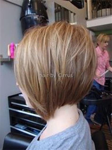 angled and feathered back hair dos angled bob haircuts bob haircut back and angled bobs on