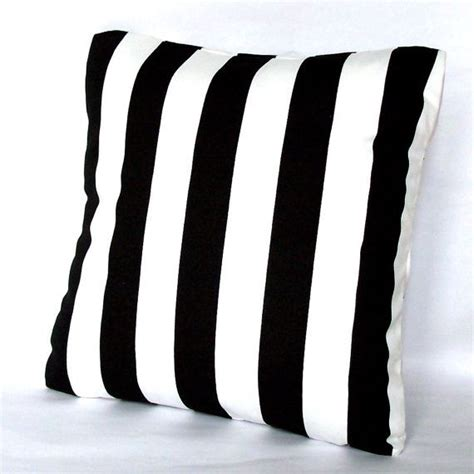 Pillow Sizes In Inches by 25 Best Ideas About White Pillow Covers On