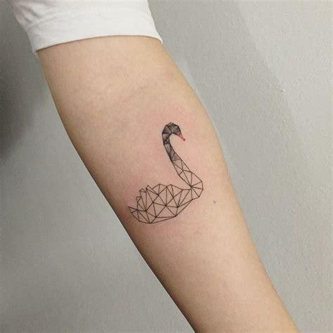 swan tattoos best 25 black swan ideas on repeating