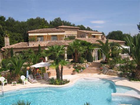 piscina casa imagui imagenes de casas con piscina casa con piscina imagui