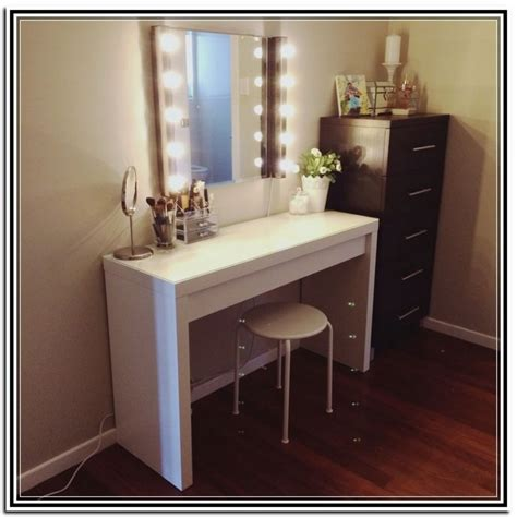 vanity table with mirror and lights vanity table with lighted mirror