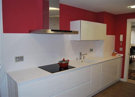 191 se puede cambiar el alicatado tocar los muebles bonito alicatado de cocina im 225 genes la cocina cuenta con