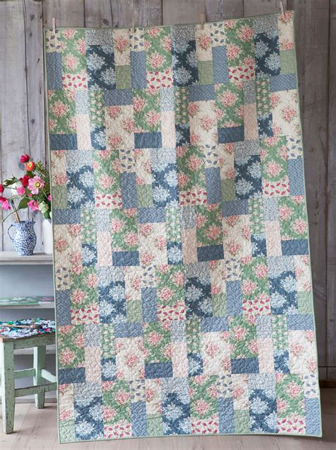 Tilda Patchwork - the painting flowers quilt tildas world