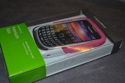 Casing Hp Bb Curve 9300 blackberry pink premium with white skin for curve 9300