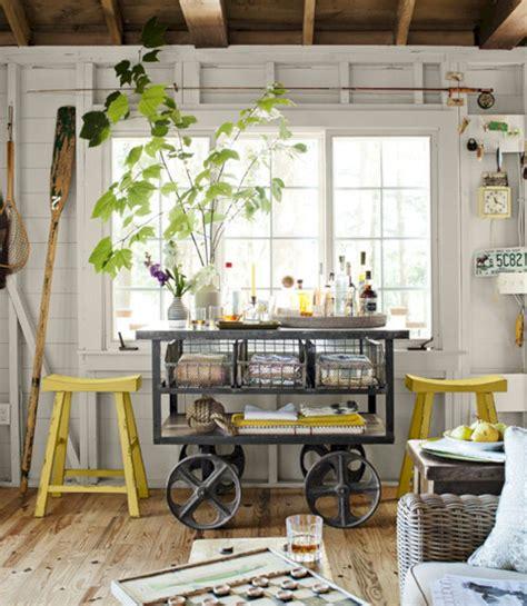 tiny lake cottage bedroom decor idea freshouz