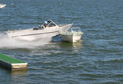 boat accident expert determines true cause of collision - Boat Crash Get Down For What