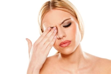 Painful Blind Eye 11 Causes Amp Treatments For Pain Behind Eye