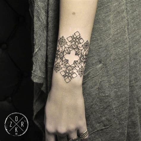 geometric tattoo artist instagram 10 geometric tattoo artists to follow on instagram tattoodo