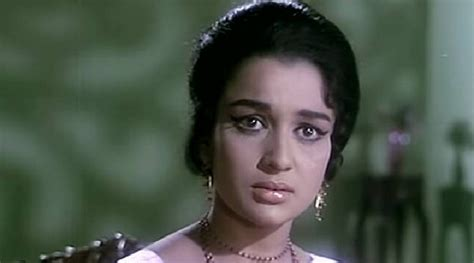 bollywood heroine height weight old actress asha parekh age biography height weight