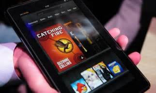 black friday amazon kindle fire kindle fire crackles into life tablet outsells ipad on