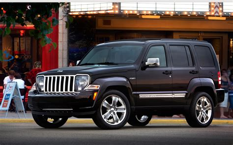 Jeep Liberty 2012 Black Report Jeep Liberty Production To Shut August 16