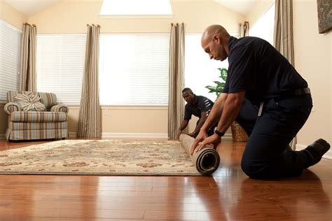 how to shoo area rugs on hardwood floors specialty area rugs somerset county nj servicemaster