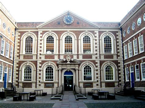 queen anne architectural styles of america and europe file bluecoat chambers liverpool jpg wikimedia commons