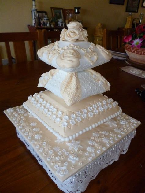 Wedding Cake Pillow by 161 Best Images About Pillow Themed Cakes On