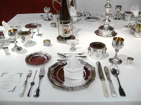 what is table set up table setting