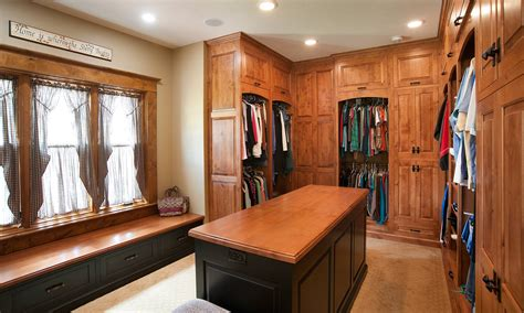 Island In A Kitchen Mullet Cabinet Master Closet