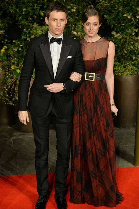 Eddie Redmayne And Girlfriend Hannah Bagshawe Cuddle Up At