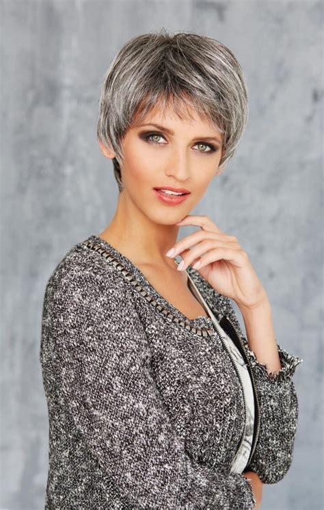 Modèles Coiffures Cheveux Courts Gris