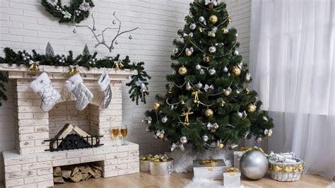 como decorar una casa en navidad sencilla decorar la casa en navidad hogarmania