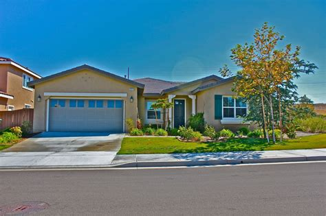 valdemosa a newer kb homes community in northeast temecula