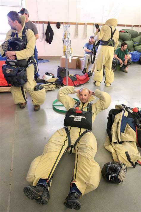 what are smokejumpers special report smokejumper