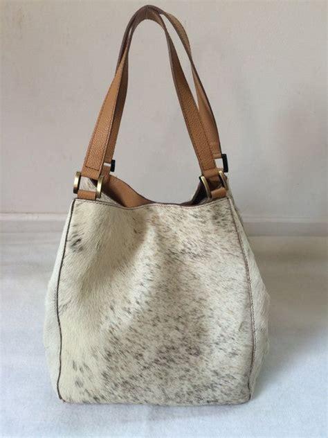 Cowhide Leather Purses - best 25 cowhide purse ideas on boho bags