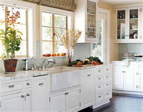 Oliveaux: More beautiful white kitchens
