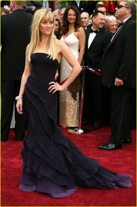 Reese Witherspoon At The 2007 Oscars reese witherspoon in louis vuitton oscar 2013