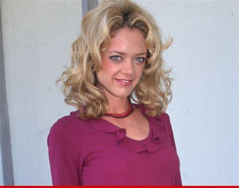 lisa robin kelly dead that 70s show star dies at age 43 lisa robin kelly dead that 70s show star dies at 43