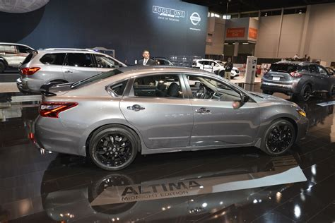 midnight nissan altima nissan debuts midnight editions of maxima sentra altima